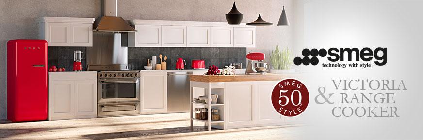 Smeg Victoria Range Cooker und 50s Style Kühl- und Kleingeräte